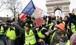 Des manifestants ont fait entendre leur colère samedi à Paris, notamment sur l'avenue des Champs-Élysées.
