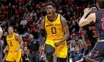 Luguentz Dort et les Sun Devils de l'Université Arizona State bataillent ferme pour se qualifier au célèbre tournoi national March Madness.