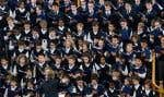 «Contrairement à ce qu'elle persiste à affirmer, la CSDM n'a toujours pas d'option viable pour permettre à mes fils de poursuivre leur formation aux Petits Chanteurs du Mont-Royaldans le cadre d'une école secondaire publique», estime l'auteure.