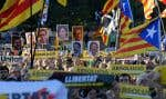Des partisans des accusés ont défilé dans les rues de Barcelone, mercredi, pour demander l'acquittement des chefs catalans.