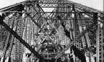 Le pont de Québec en construction, photographié en octobre 1915, quatre ans avant son ouverture