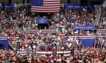 Mercredi soir, en Caroline du Nord, des partisans du milliardaire républicain, lors d'un de ses meetings, ont visé l'élue musulmane Ilhan Omar en scandant «renvoyez-la!».
