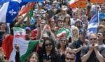 «Le peuple, uni, jamais ne sera vaincu», ont martelé les manifestants rassemblés hier à l'appel des Jeunes Patriotes devant l'ancienne Prison du Pied-du-Courant sous le pont Jacques-Cartier.