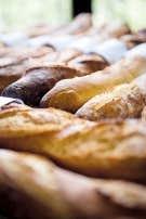L'odeur du bon pain frais nous réconforte.
