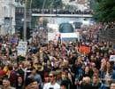 Des manifestants se sont rassemblés à Hambourg, mercredi, pour protester contre la tenue du G20.