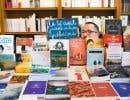 Plusieurs librairies ont refait leurs étals, mettant les écrits d'ici en avant.